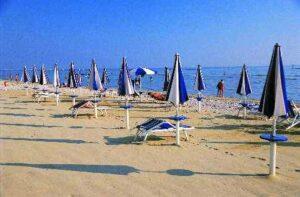 La spiaggia di sabbia a Marotta