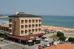 Hotel Cristallo 3 stelle a Fano